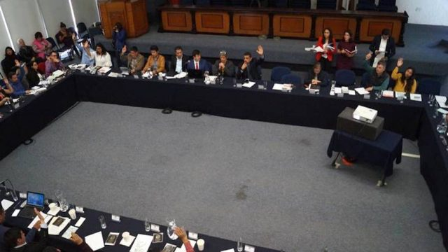Exhorta UAQ a Legislatura para que apruebe bodas gay